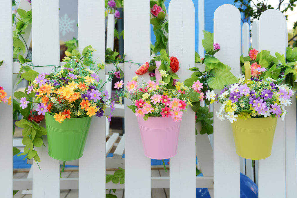 spring fence ideas